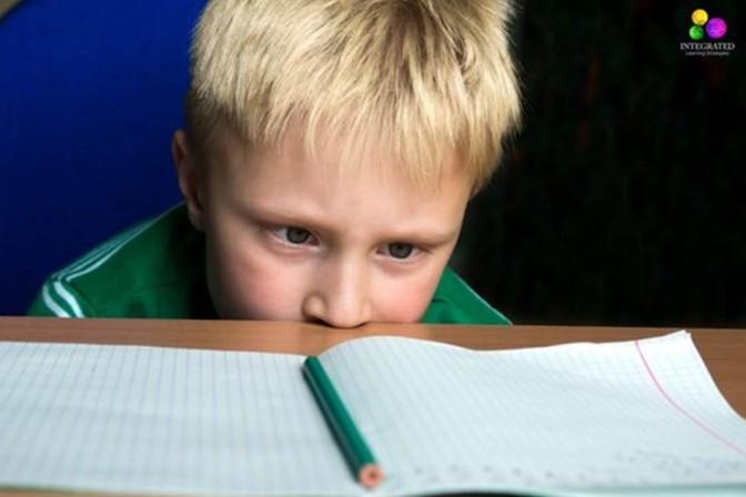 Como sei se meu filho tem dificuldade de aprendizagem?
